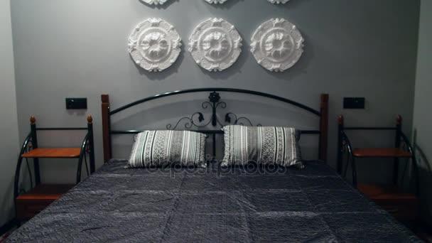 moderní ložnice v domě s krásným designem