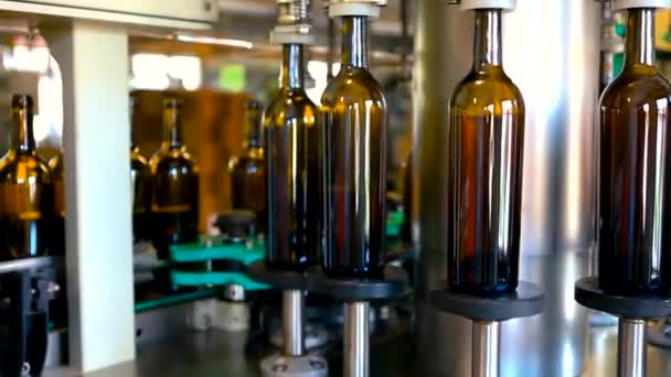 Fließbandfabrik für Wein