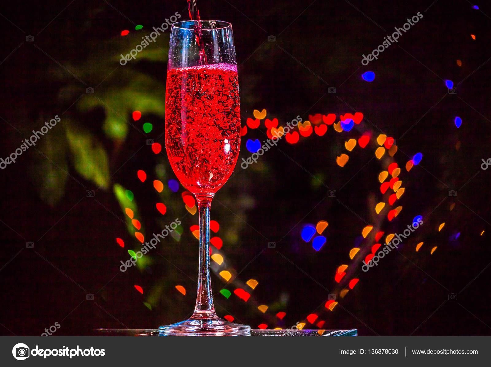 Bubble Herz in Getränk — Stockfoto © thaisign #136878030