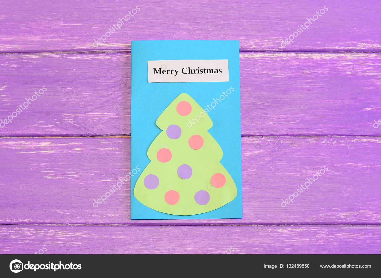 Grusskarte Weihnachten auf lila Holz Hintergrund isoliert ...
