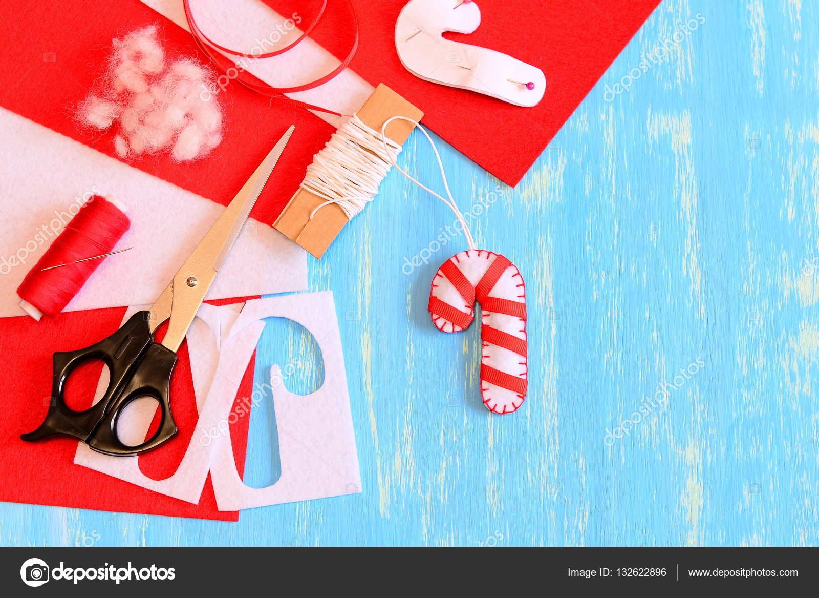 Fieltro decoración de Navidad candy cane, tijeras, hilo, rojo ...