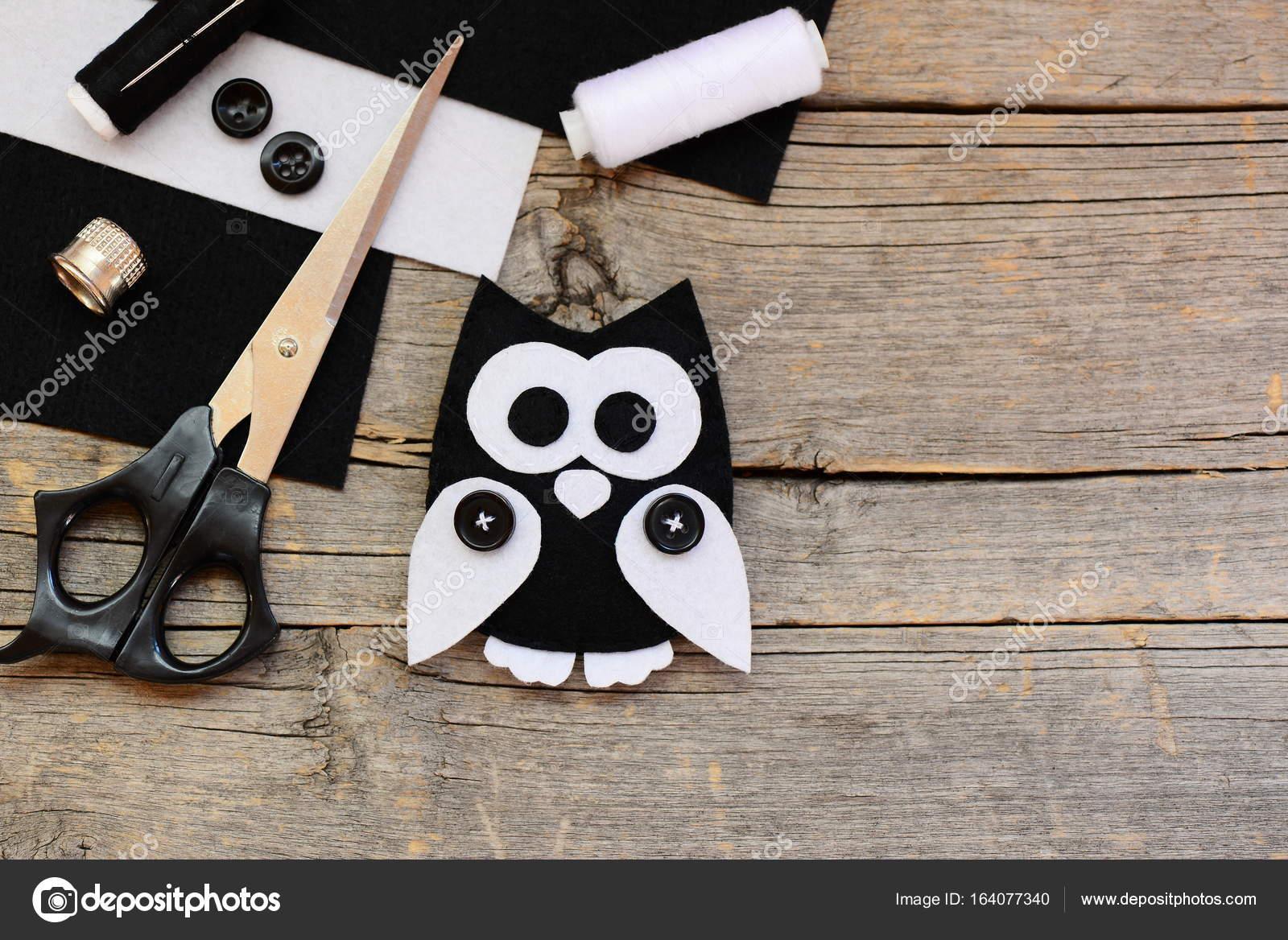 Schwarz und weiß Filz Blätter, Schere, Fäden, Filz Eule Ornament ...