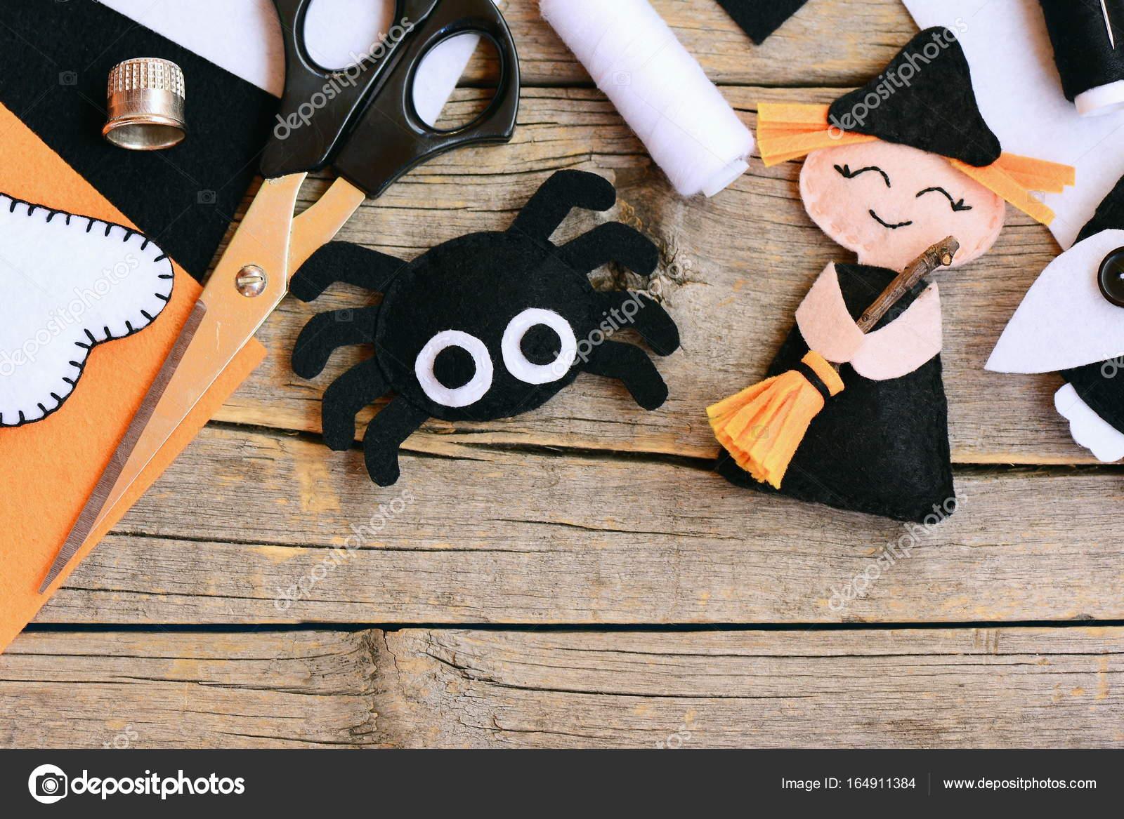 Halloween Basteln Holz.Schnelle Halloween Basteln Fühlte Mich Hexe Puppe Spinne