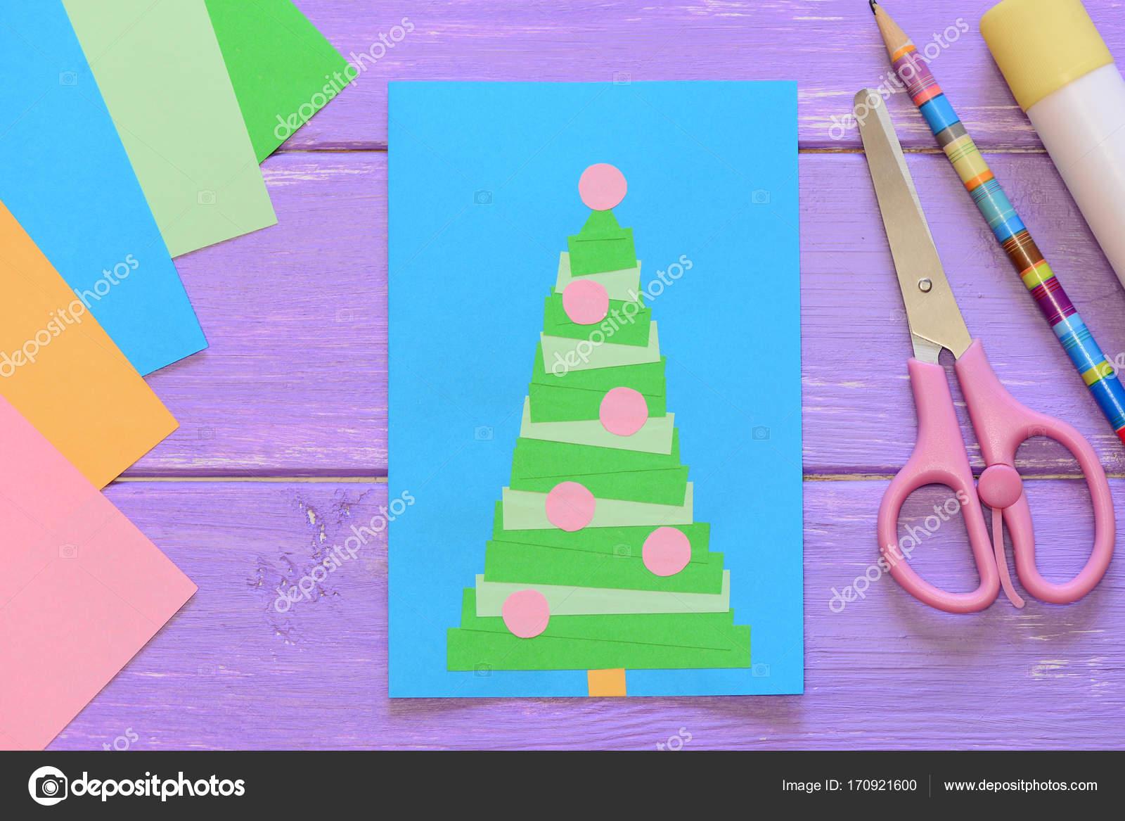 Kerstkaart Schaar Lijm Stok Potlood Gekleurd Papier Op Paarse
