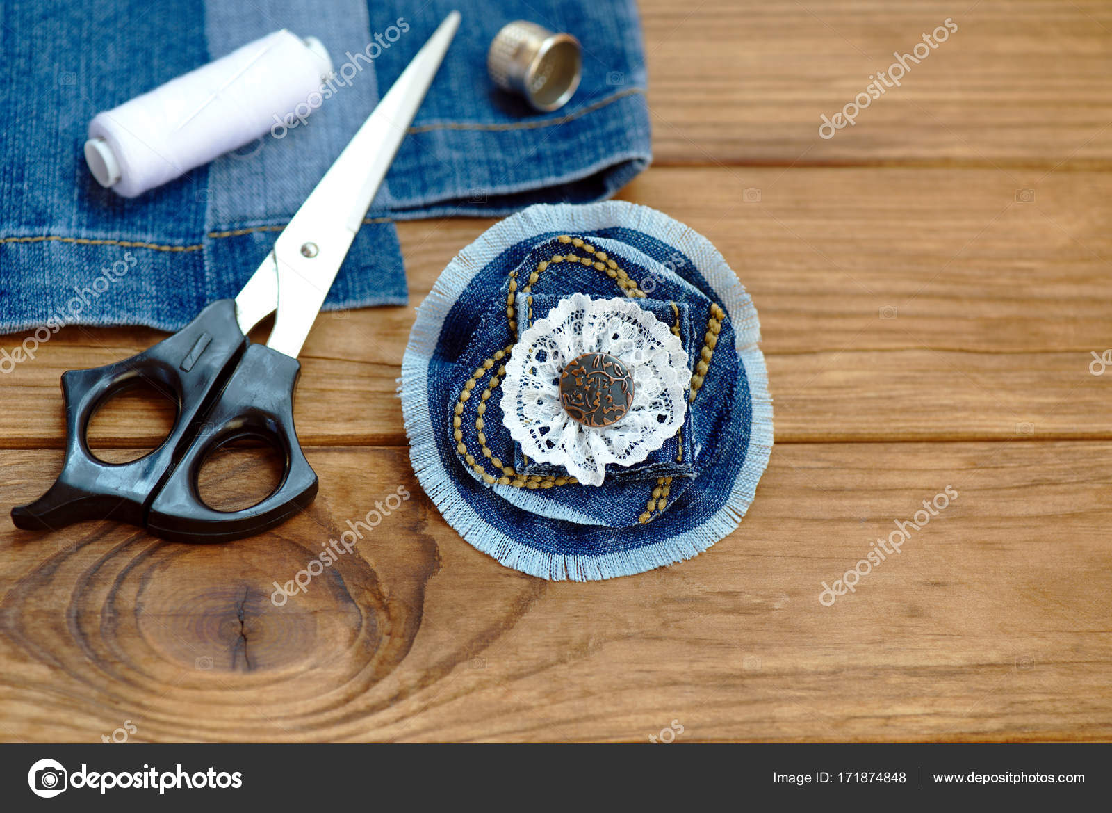 Denim picture ideas | Craft idea for old jeans  Handicraft