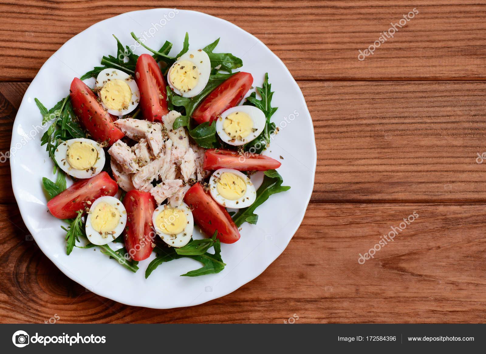 Idee Per Pranzi Sani : Idea di insalata di pollo verdure fresche per il pranzo o la cena