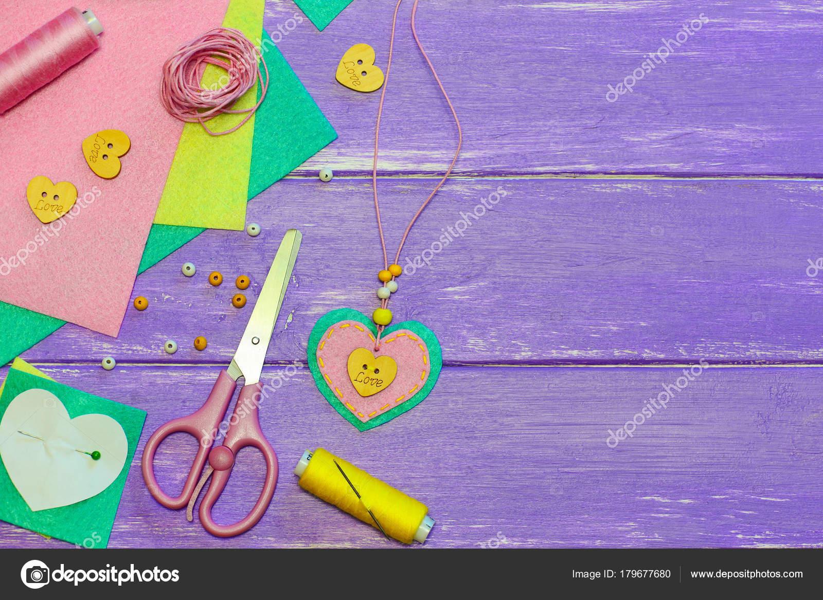 Schone Anhanger Halskette Valentinstag Herz Halskette Aus Filz
