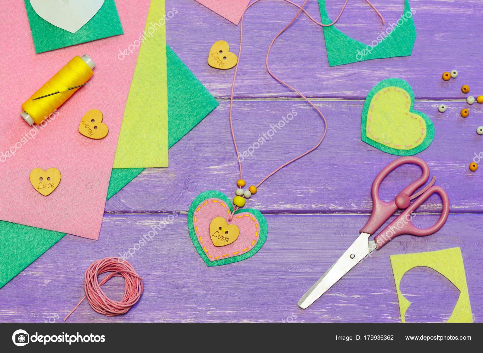 Einfaches Filz Herz Anhanger Halskette Valentinstag Anhanger