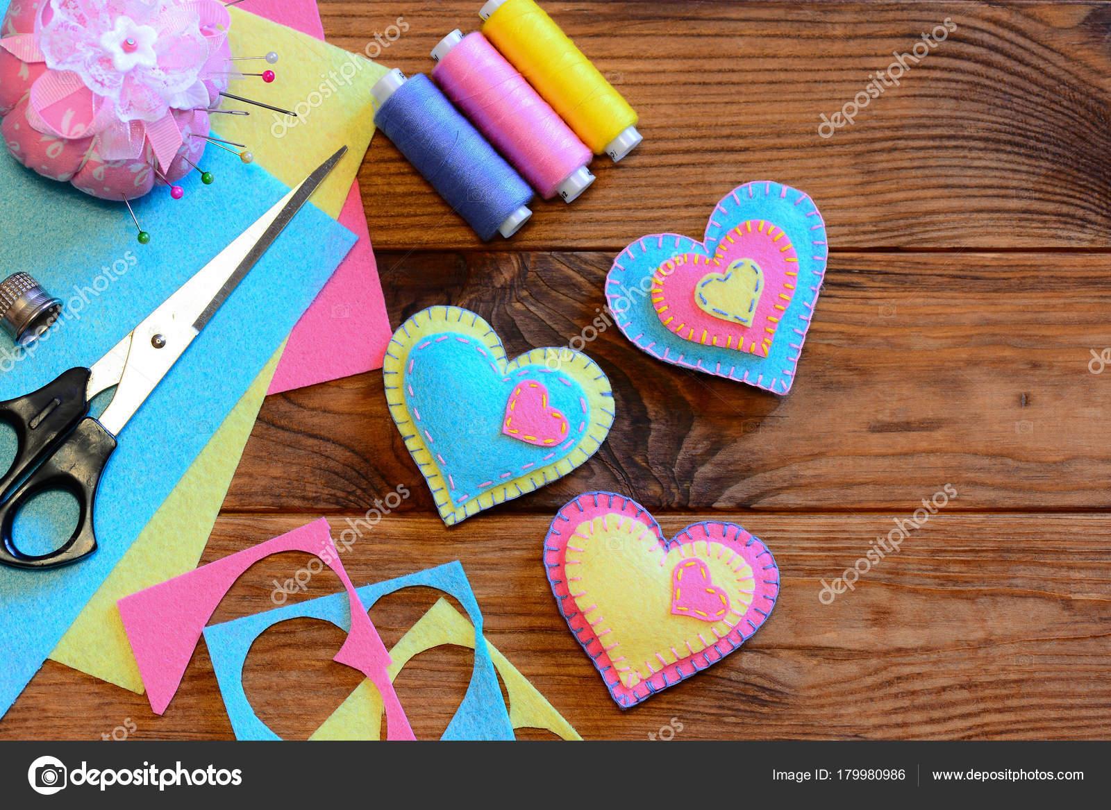 Valentines Day Ornaments Idea Felt Heart Ornaments Scissors Thread