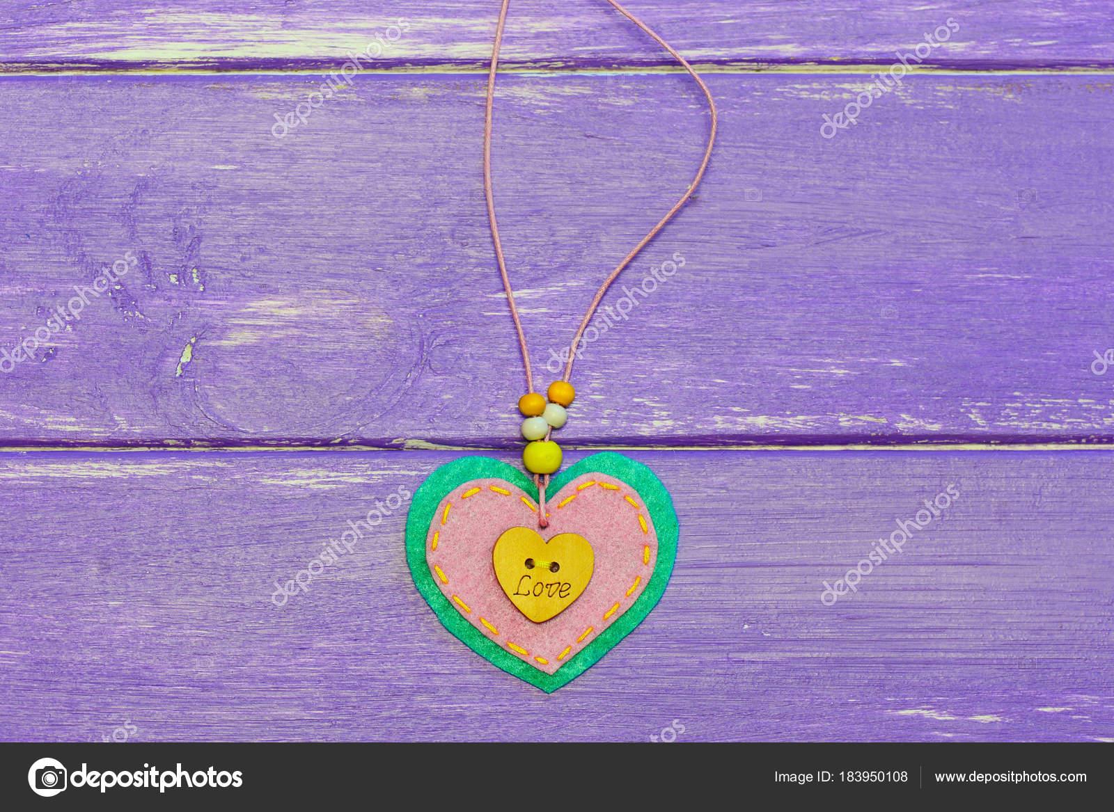 Herzförmige Schmuck Zum Valentinstag Valentines Tag Fühlte Herz ...
