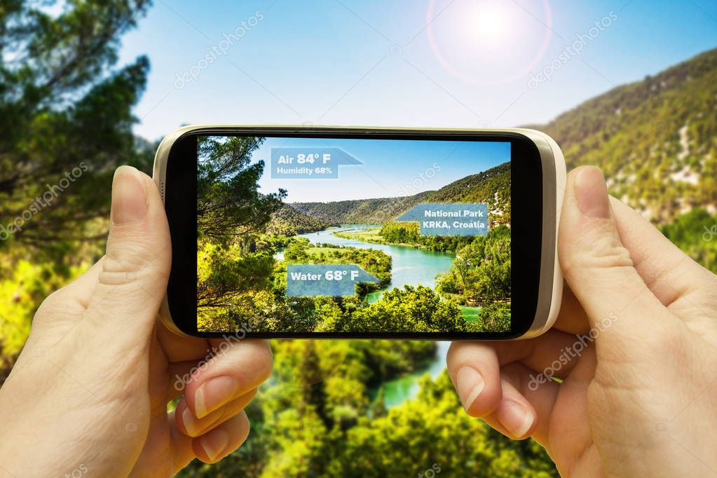 Augmented reality applications for travel and leisure. Hand with