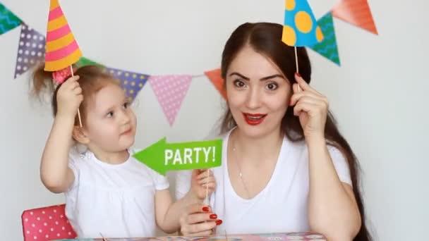 Fiesta Feliz Cumpleanos Madre E Hija Tienen Diversion Sonriendo Y