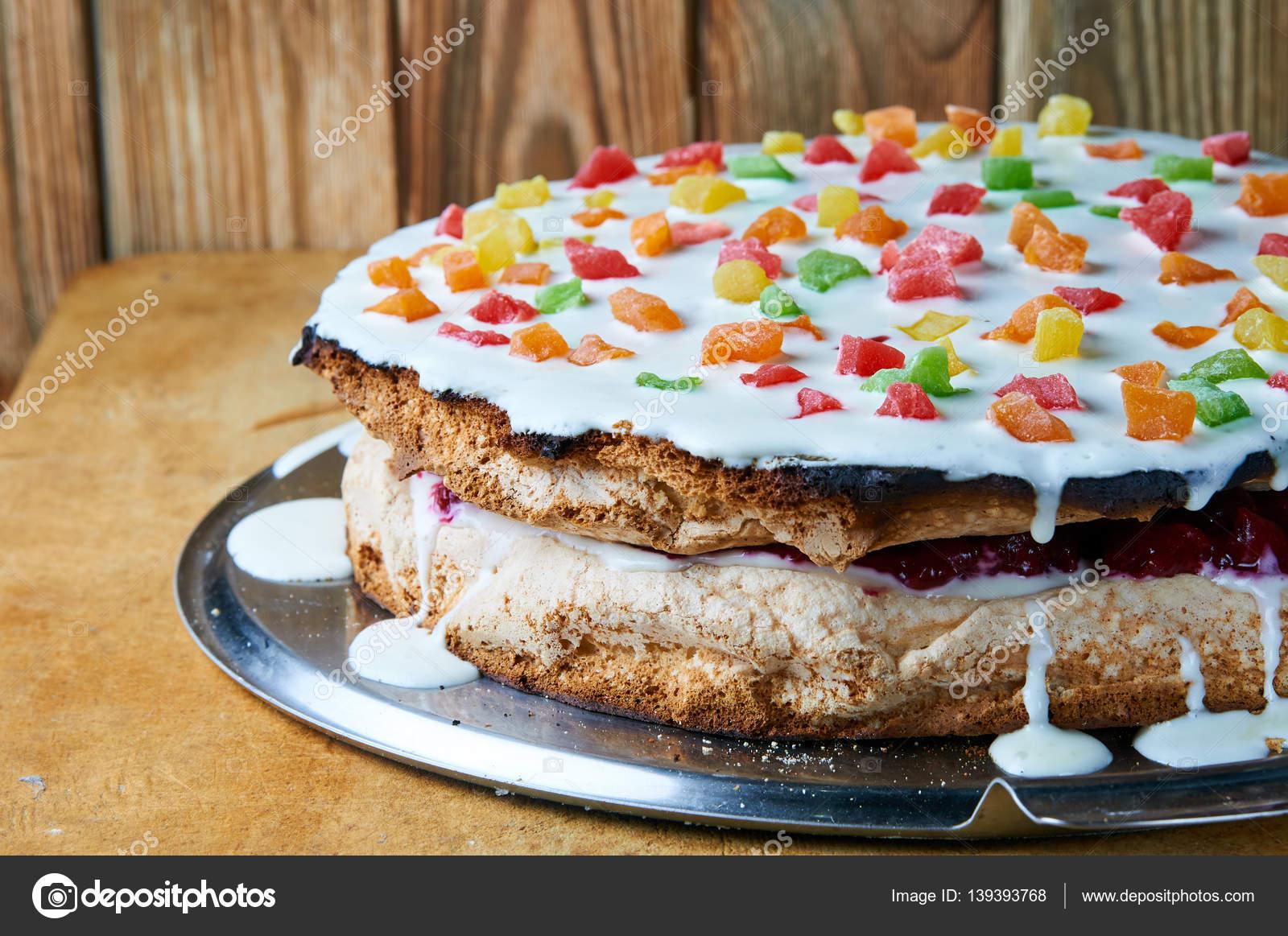 Peynir ve jambon ve reçel ile lezzetli kekler