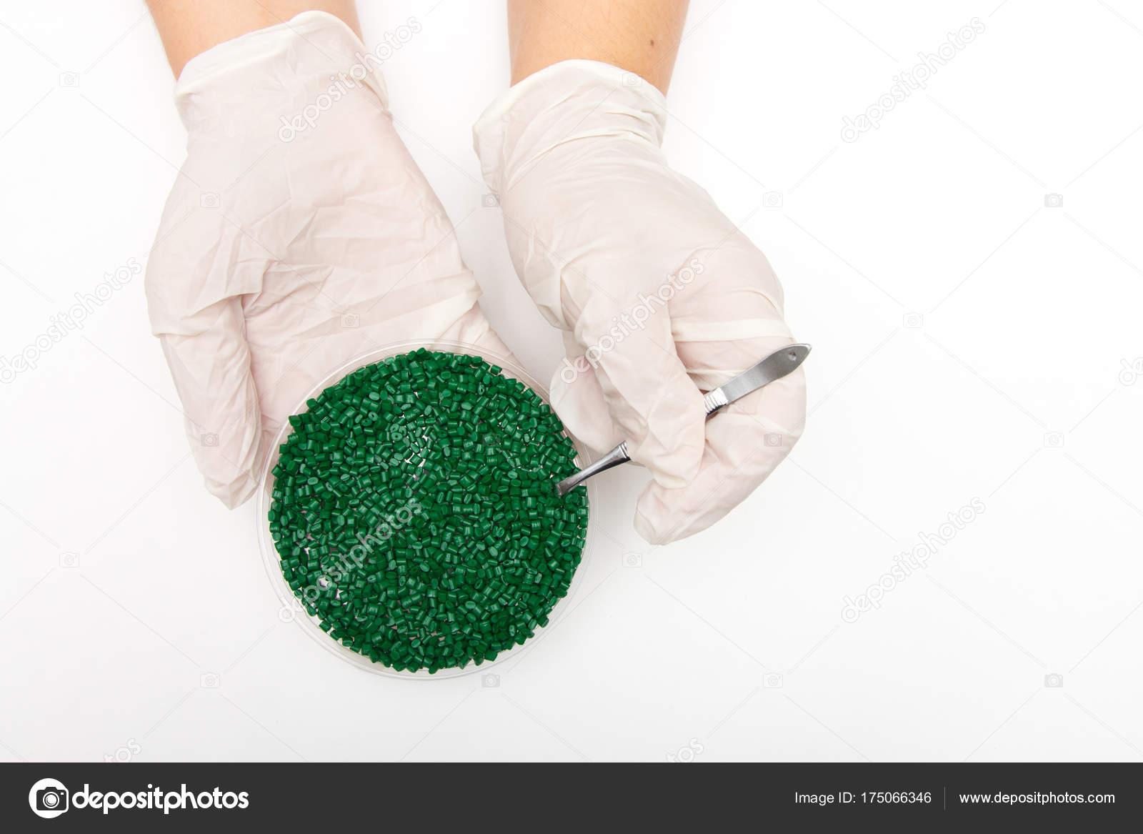 Pellets de plástico. Colorante para polímeros en gránulos ...