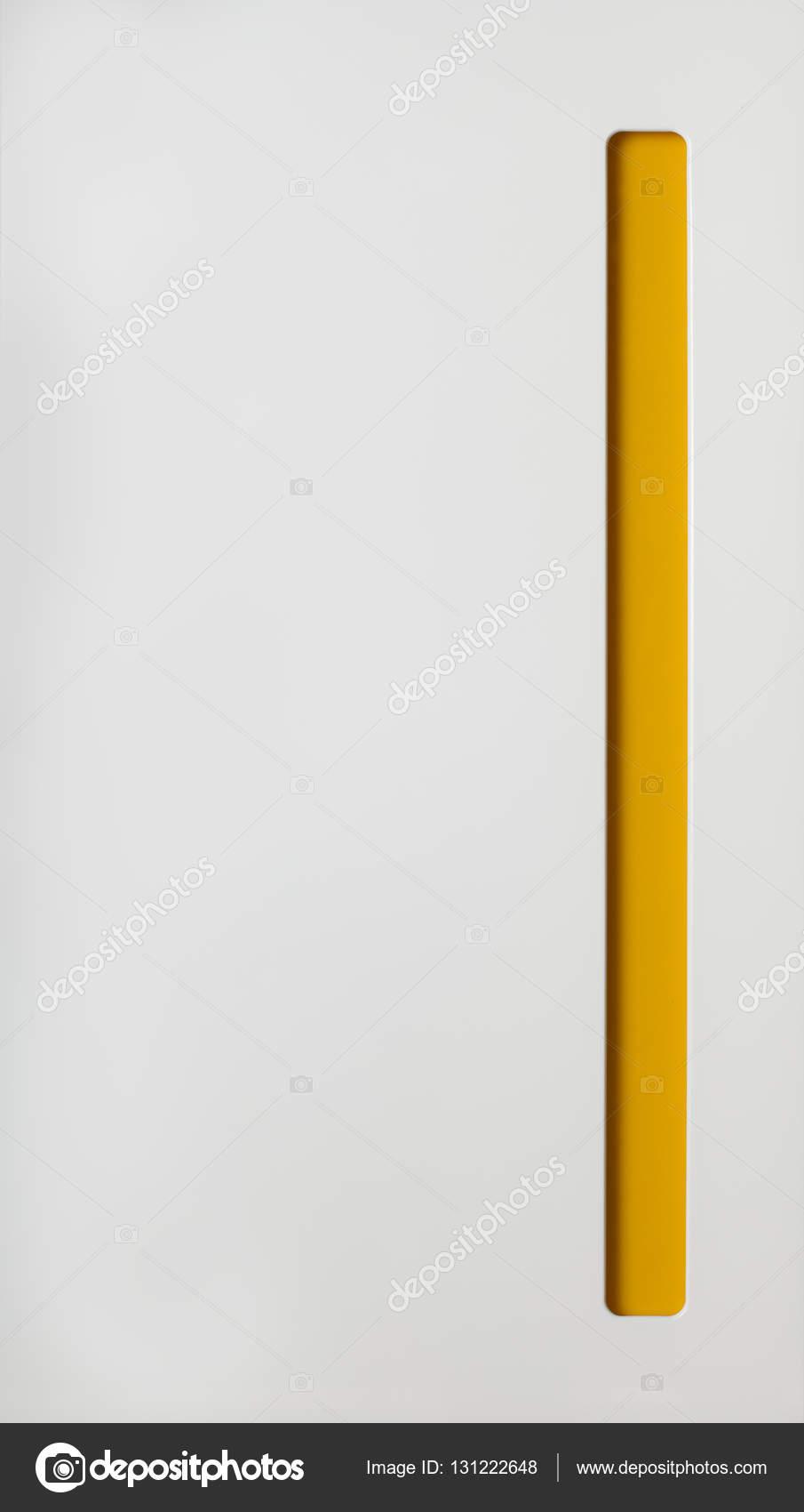 Küchenschrank Tür. Weiß mit gelben Teil — Stockfoto © sasapanchenko ...
