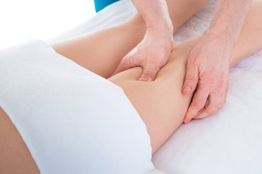 Massage the long muscle of the leg
