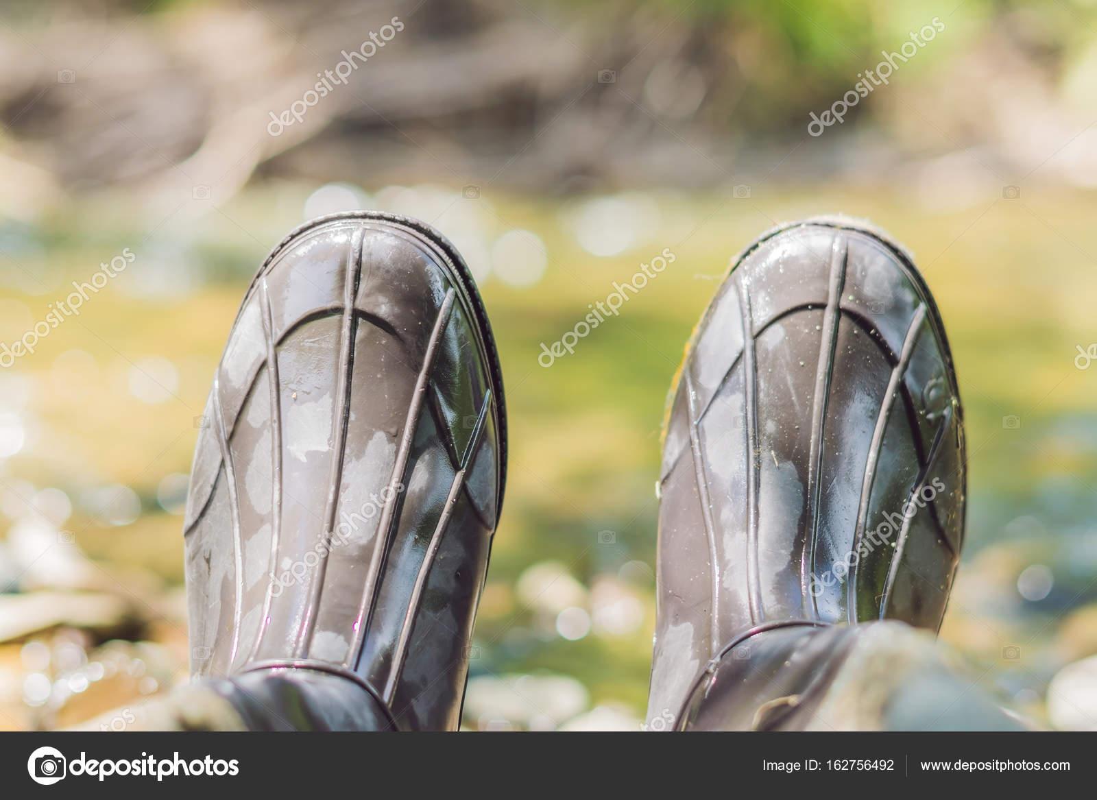 más fotos 87bf4 1ab40 Hombre Pies Botas Goma Botas Goma Del Pescador — Foto de ...