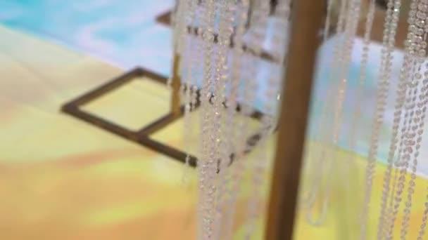 Detailní záběr svatební oblouk u moře