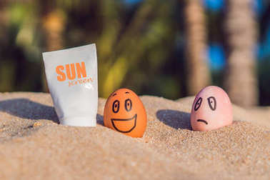 Sunburned egg smeared the sun screen, and the burnt egg was not
