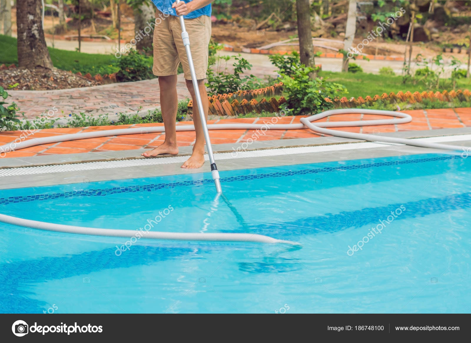 Cleaner Swimming Pool Man Cleaning Equipment Swimming Pools ...