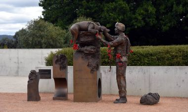 Sculpture of  Explosive Detection Dogs in war