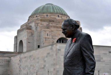 Bonze statue of Edward Dunlop