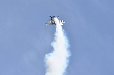 Paul Bennet aerobatic display in his Wolf Pitts Pro