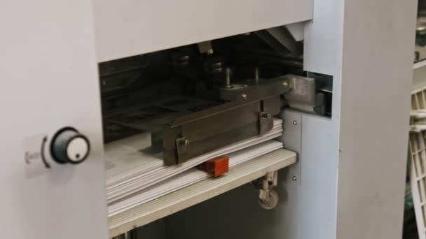 Industria della stampa poligrafo - pieghevole macchina e nastro trasportatore