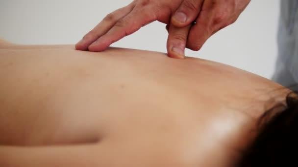 Doktor masáže Vítej zpátky v tibetské medicíně skříňka
