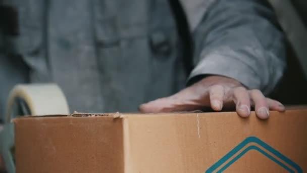 Risultati immagini per addetti imballaggio