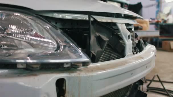 Auto připravuje pro profesionální diagnostiku v auto služby, jezdec výstřel