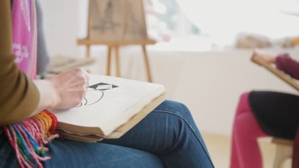 Mladé samice umělci umělecké etuda witn nahý model