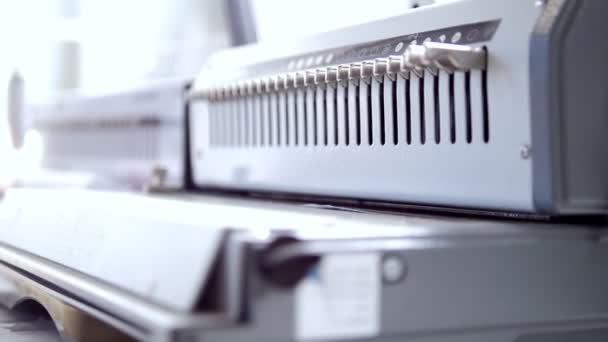 Průmyslové zařízení pro ofsetový stroj v typografie
