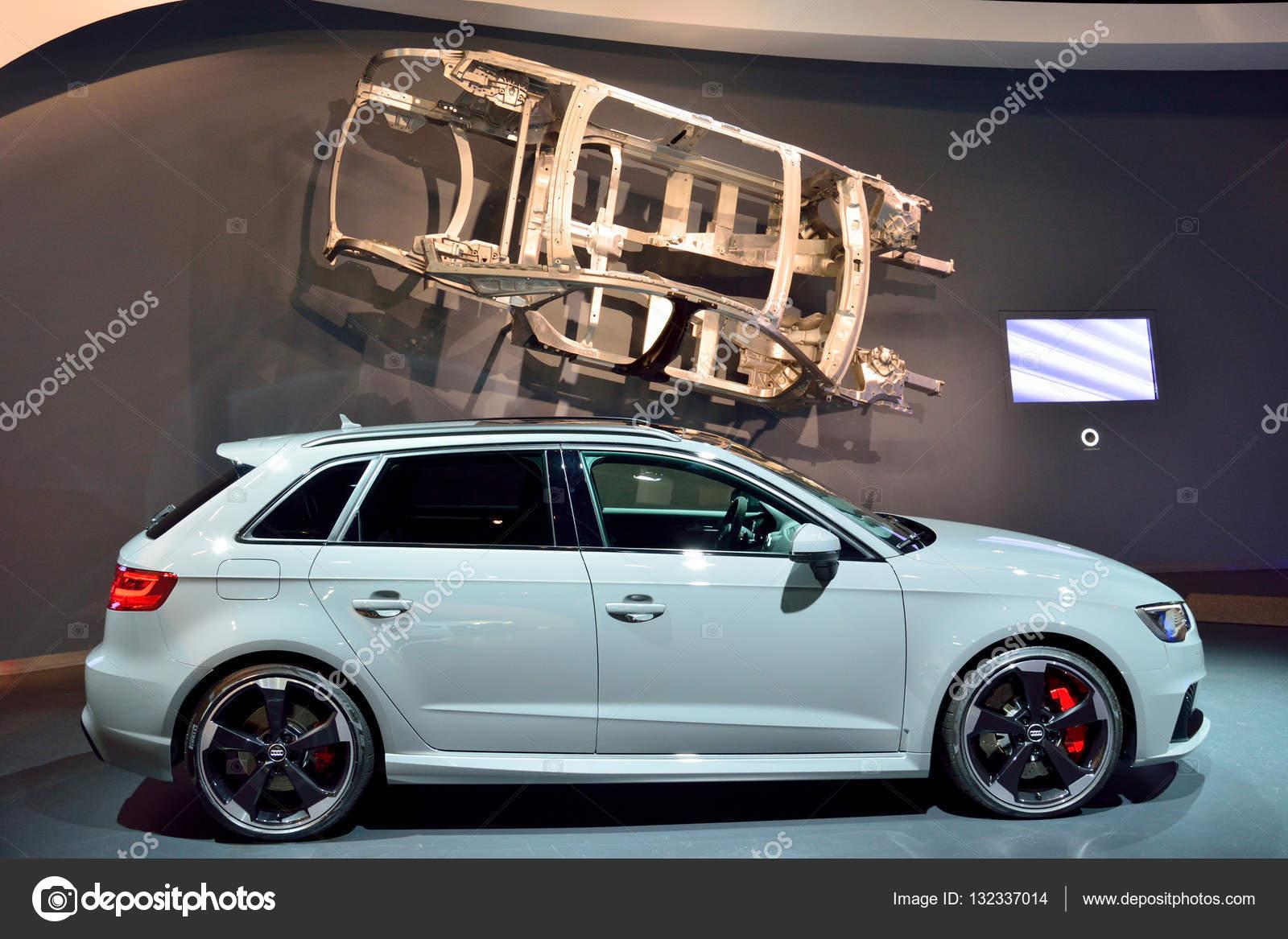 Audi Rs3 Auto — Redaktionelles Stockfoto © alizadastudios #132337014
