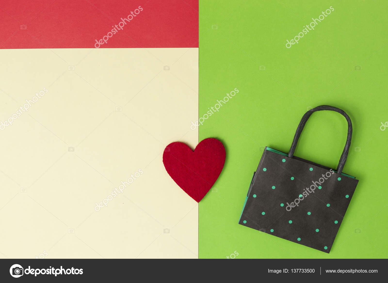 Colores compra bolsa y corazón en verde, rojo, amarillo color de ...