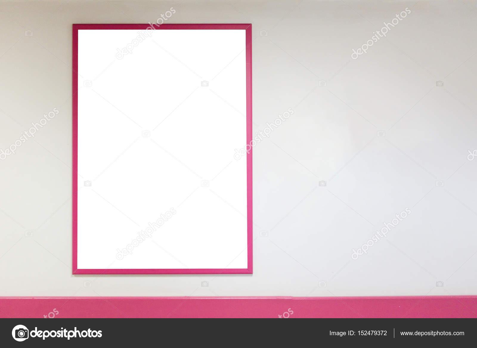 Se burlan del marco del cartel en blanco con rosa marcos de colgar ...