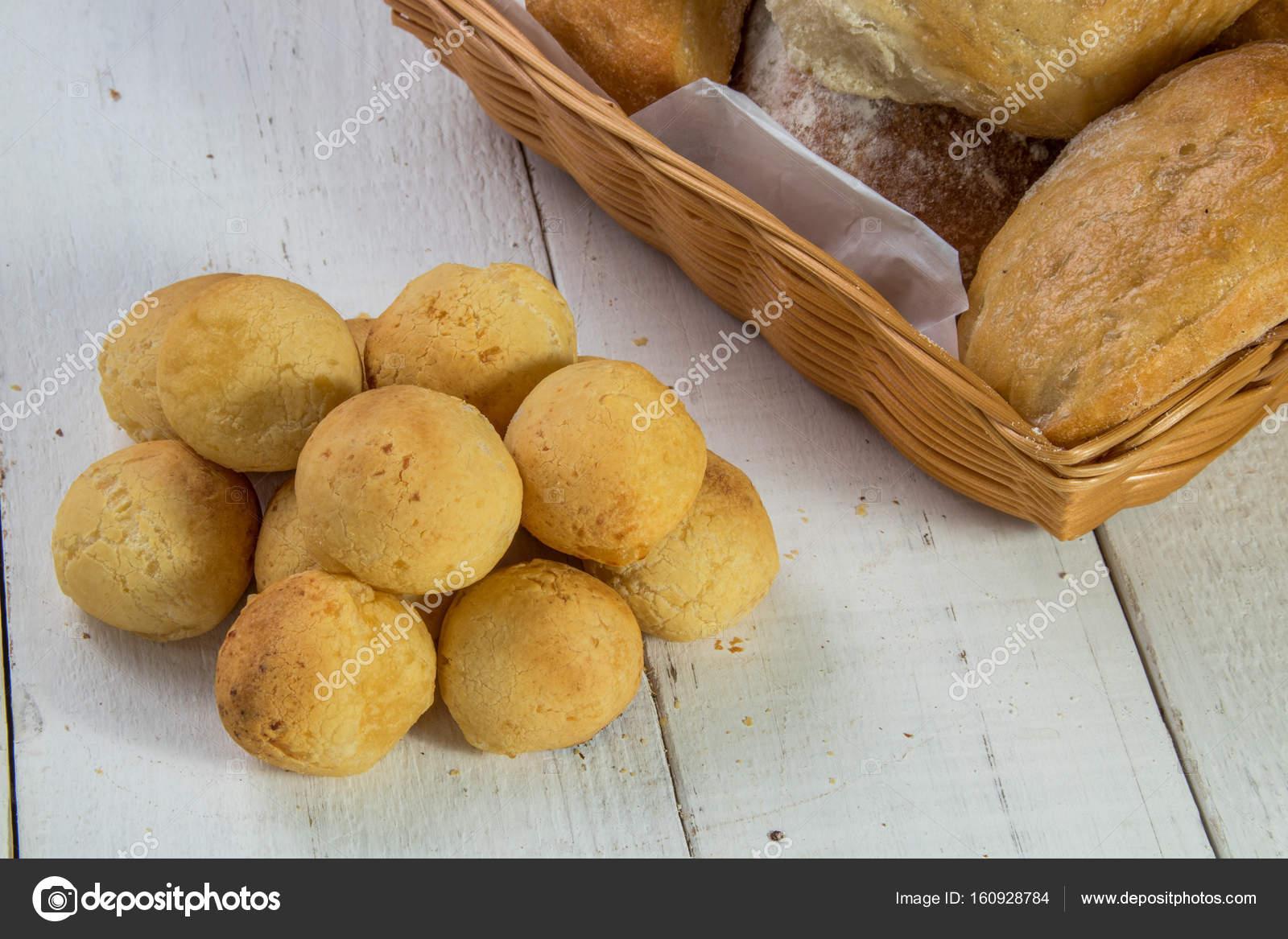Ekmek Sepetleri Stok Foto Danilosaltarelli 160928784