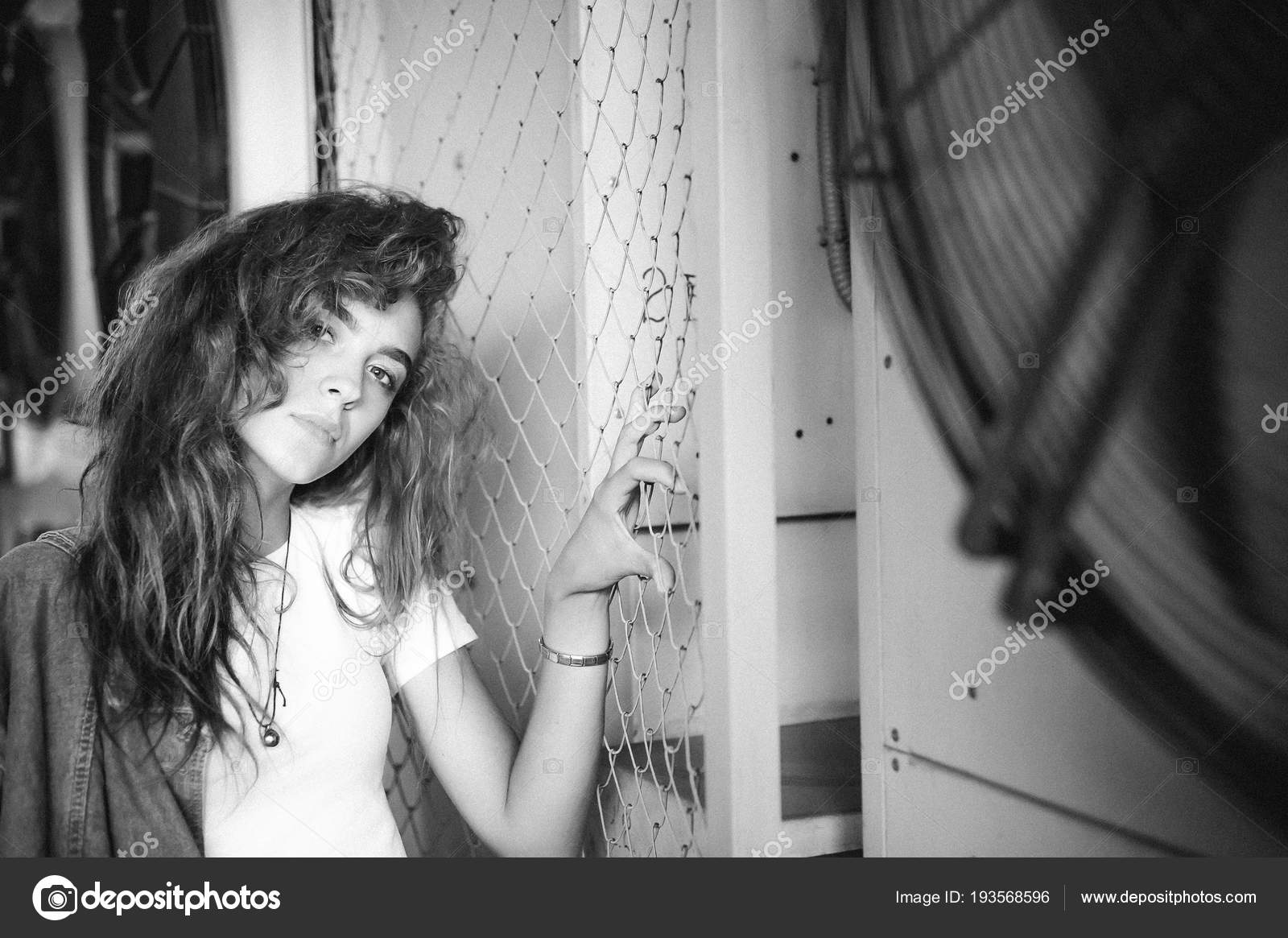 Девушки в системе волос