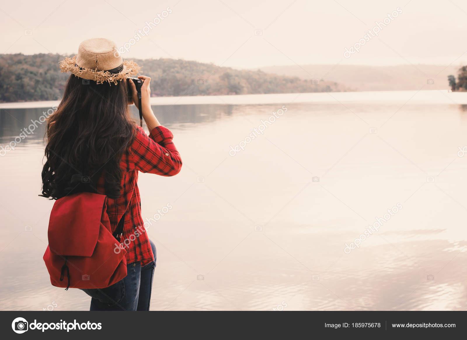 Домашнее сосущих картины женщин на природе