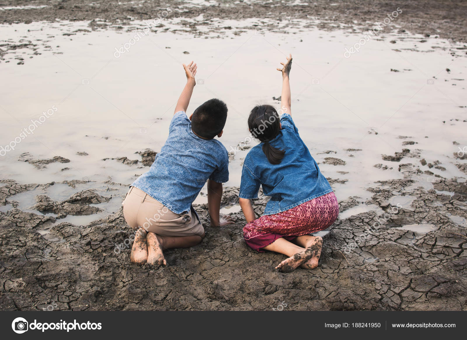 https://st3.depositphotos.com/8571010/18824/i/1600/depositphotos_188241950-stock-photo-sad-boy-girl-praying-rain.jpg