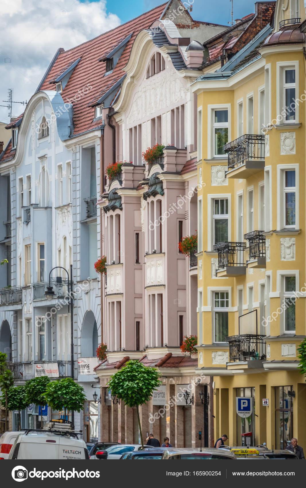 Fachadas De Viejas Casas De La Vivienda En Bydgoszcz Foto - Fachadas-antiguas-de-casas