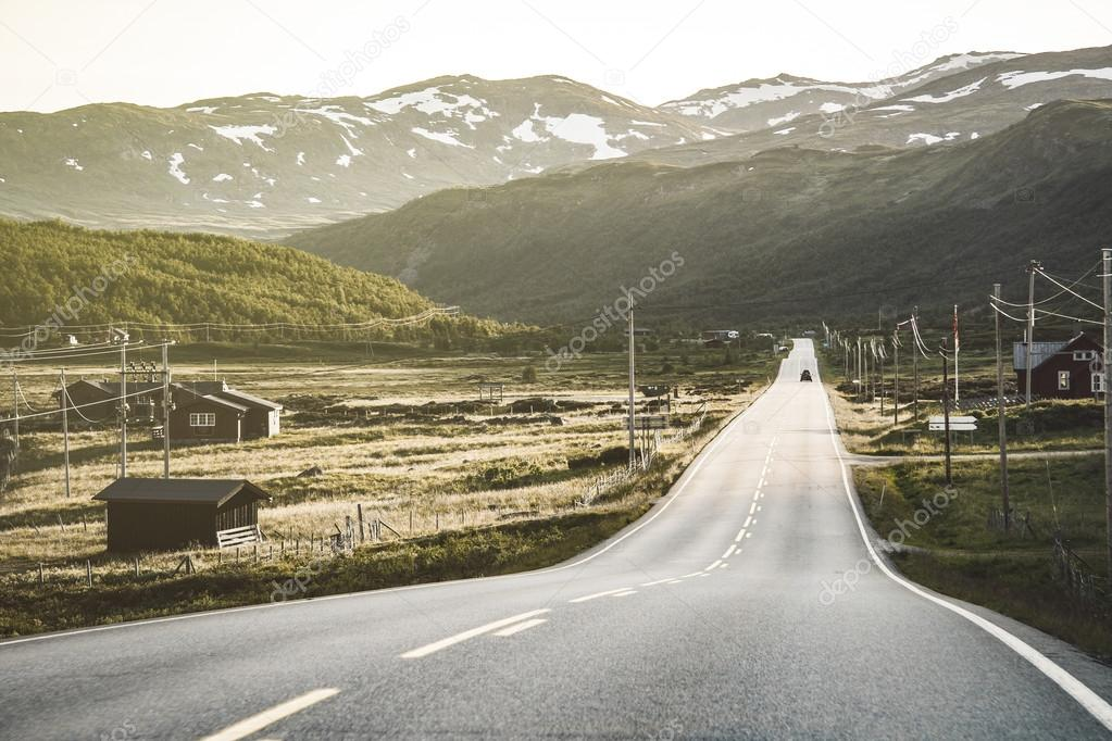 Road in norwegian highlands