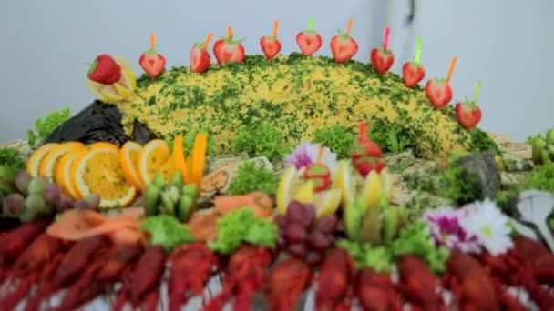 bufet, krásně zdobené pokrm s mořskými plody