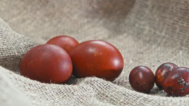 Velikonoční vajíčka na krásné pozadí