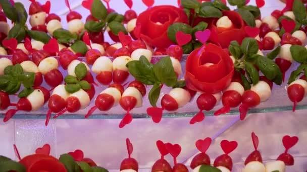 Stravování formou bufetu: zelenina a saláty