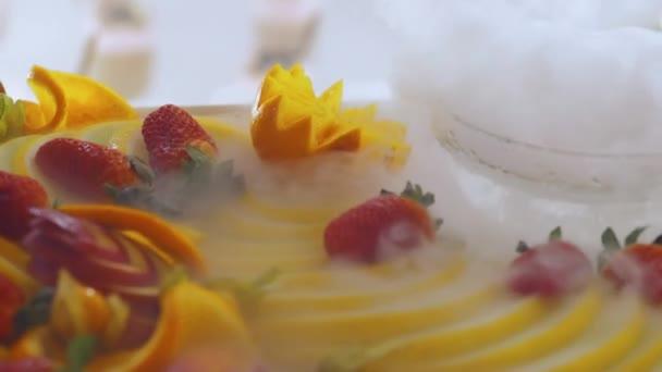 skupinové stravování formou bufetu jídla krytý v luxusní restauraci