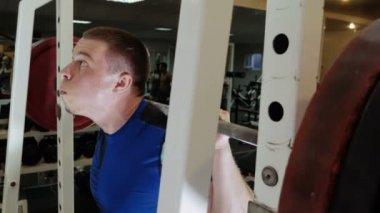 Weightlifter raises the bar