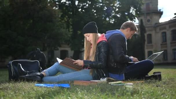Vysokoškoláků studuje blízko kampusu