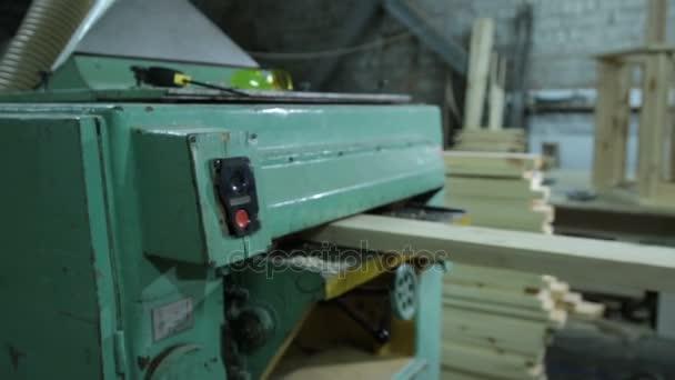 Tesaři, hoblovací deska s hoblovací stroj