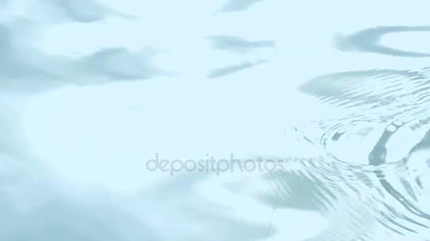 Süllyedő kék vízben a tó halászati úszó